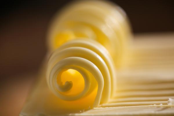 una nuez de mantequilla