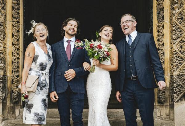 novios con madrina y padrino de boda